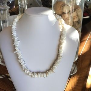 Other - Puka Shell Necklace🌈🌺